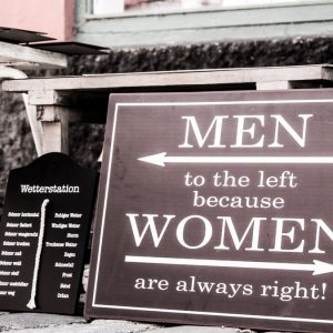 How come women tend to mix-up left and right?