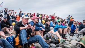 About 11.000 spectators